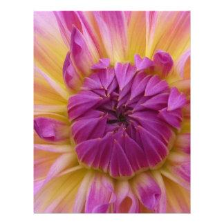 Flor púrpura flyer a todo color