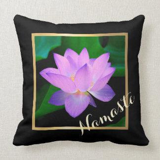 Flor púrpura hermosa azul Namaste de Lotus Cojines