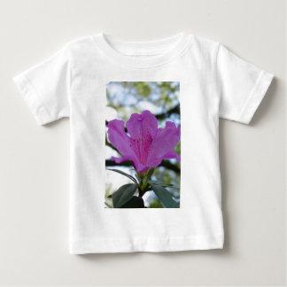 Flor púrpura tee shirts