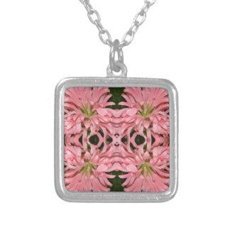 Flor reflexión enero de 2013 rosado collar