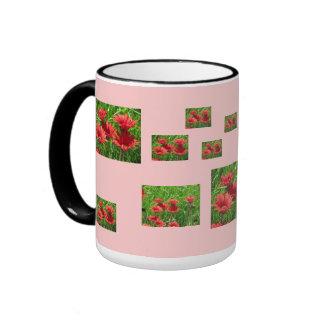Flor roja de la margarita taza de dos colores