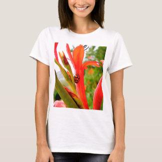 flor roja de la mariquita del legado móvil playera