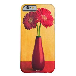 Flor roja de las margaritas del florero de la funda para iPhone 6 barely there