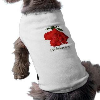 Flor roja del hibisco con el texto playera sin mangas para perro