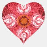 Flor roja del sol de la rueda de Paisley Pegatina En Forma De Corazón