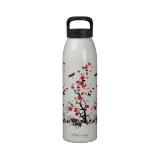 Flor roja y negra botella de agua