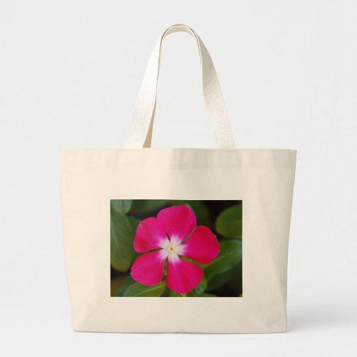 Flor rosada bolsa
