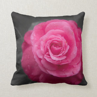 Flor rosada de la camelia almohada
