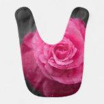 Flor rosada de la camelia baberos