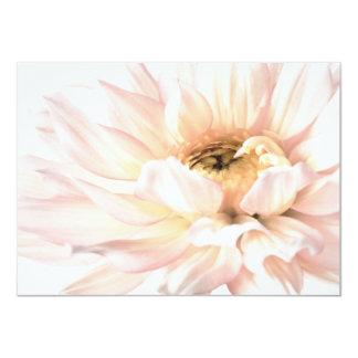"""Flor rosada de la dalia - las dalias modificaron invitación 4.5"""" x 6.25"""""""