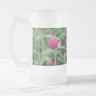 Flor rosada del Gomphrena Taza Cristal Mate