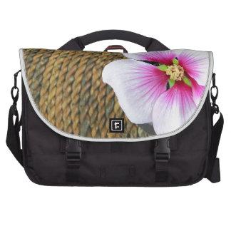 Flor rosada del hibisco bolsas de portatil