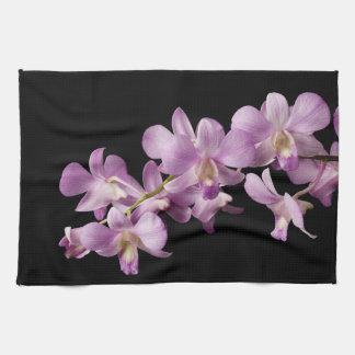 Flor rosada en negro - orquídeas de la orquídea de toallas de mano
