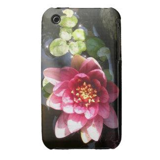 Flor rosada oscura Sunlit del lirio de agua iPhone 3 Case-Mate Cárcasa