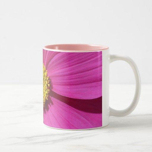 Flor rosada taza de dos tonos