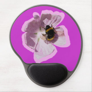 Flor rosada y abeja de la malva de almizcle que re alfombrillas con gel