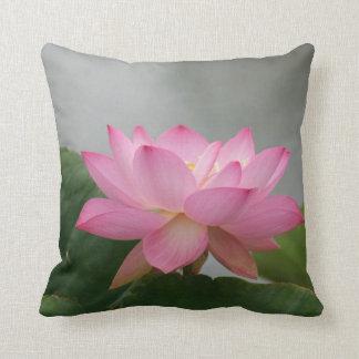 Flor rosado de Lotus Almohada