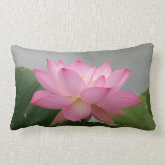 Flor rosado de Lotus Cojin