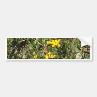 Flor salvaje amarilla pegatina para auto