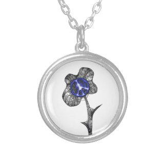 Flor salvaje de la paz azul marino colgante redondo