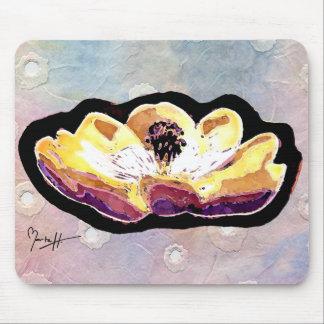 Flor tallada mano de la magnolia alfombrilla de ratones