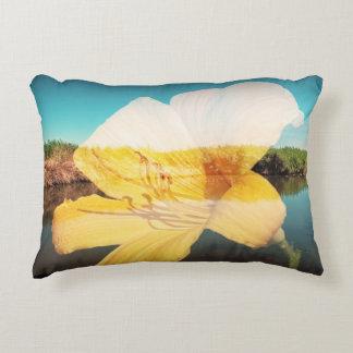 Flor transparente y el landsccape, almohada cojín decorativo