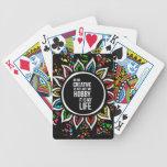 Flor tribal con el texto baraja de cartas