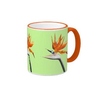 Flor tropical anaranjada de la ave del paraíso taza de dos colores