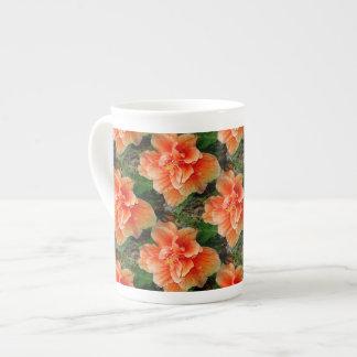 Flor tropical del hibisco del albaricoque taza de porcelana