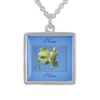 Flor verde clara collar de plata de ley