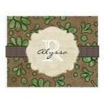 Flor verde con monograma tarjetas postales