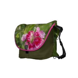 Flor vibrante del jardín bolsa de mensajería