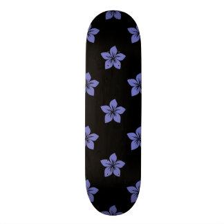 Flor violeta 9 del tulipán monopatín personalizado
