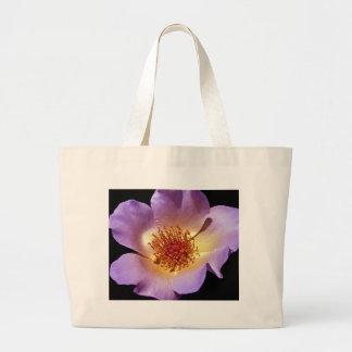 Flor violeta vibrante del resplandor interno bolsas de mano