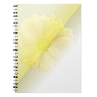 Flora aural amarilla libro de apuntes