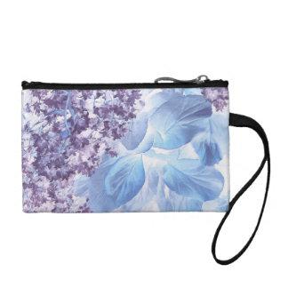 Flora púrpura y azul del invierno etéreo