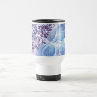 Flora púrpura y azul del invierno etéreo taza térmica
