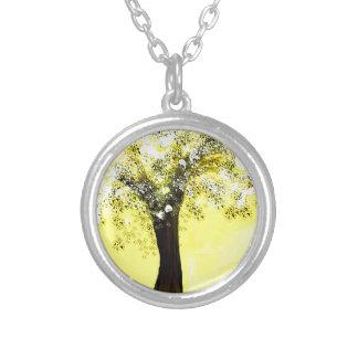 Floración árbol amarillo y blanco joyeria personalizada