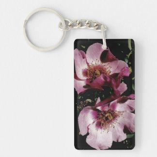 Floración de dos flores llavero rectangular acrílico a doble cara