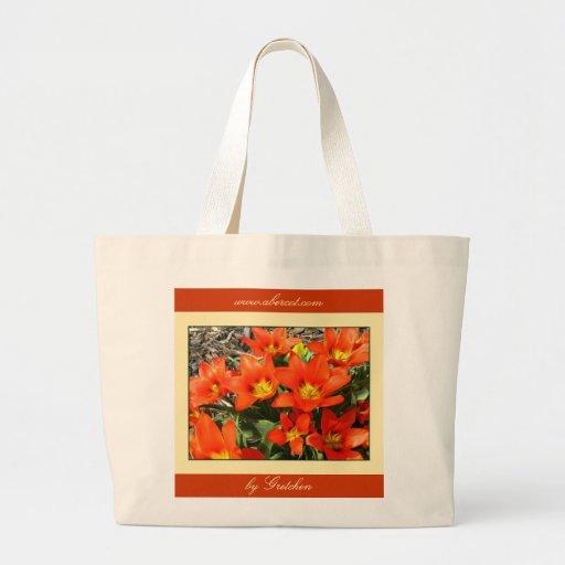 Floración de los tulipanes de la mandarina que est