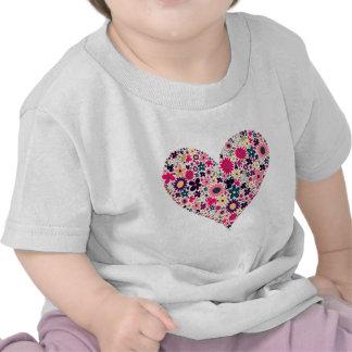 Floración del corazón camisetas