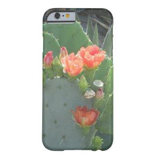Floración del rojo del verde del cactus del higo funda de iPhone 6 barely there