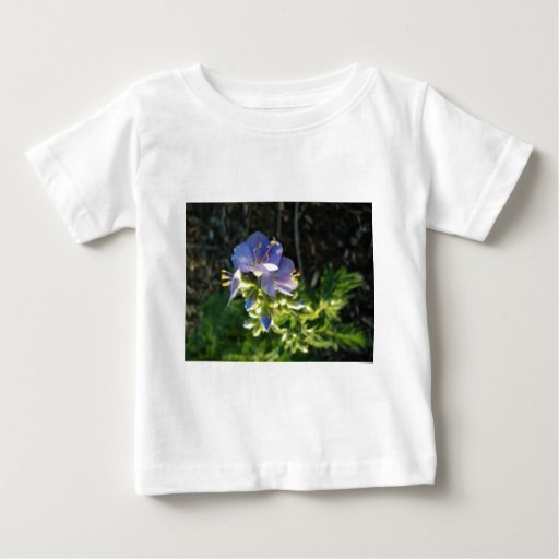 Floración púrpura camiseta