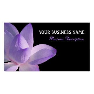 Floración púrpura de Lotus en negro Tarjetas De Visita