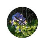 Floración púrpura reloj de pared