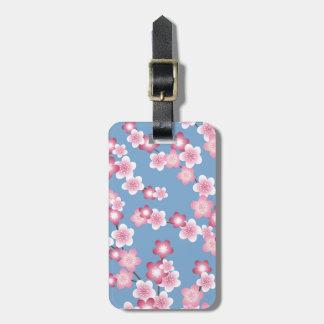 Floraciones de la flor de cerezo de la primavera etiquetas para maletas