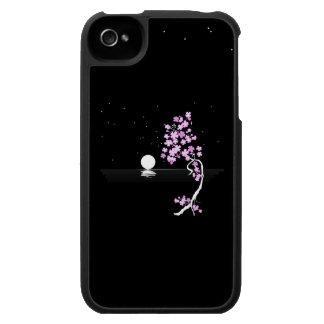 Floraciones de Sakura debajo de una Luna Llena iPhone 4 Carcasa