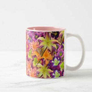 Floraciones del Daylily Tazas