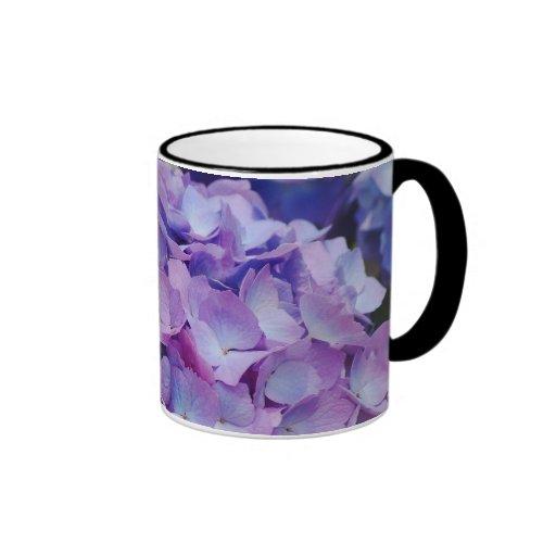 Floraciones del Hydrangea Taza De Dos Colores