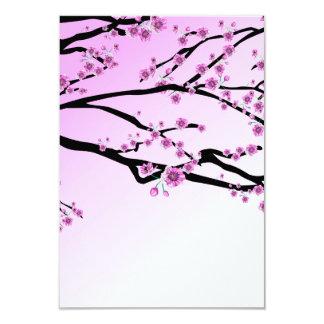 """Floraciones púrpuras de la cereza invitación 3.5"""" x 5"""""""